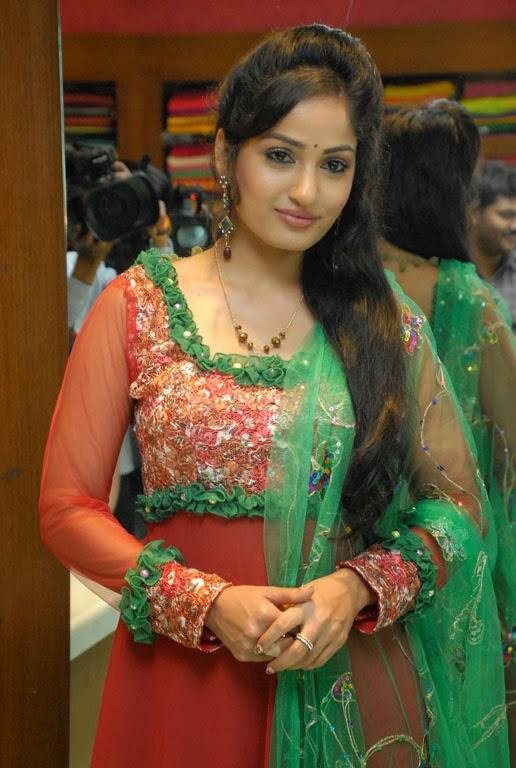 Madhavi Latha Glamour Look During The Launch Of Sreeja Fashions South Silk Festival 2013