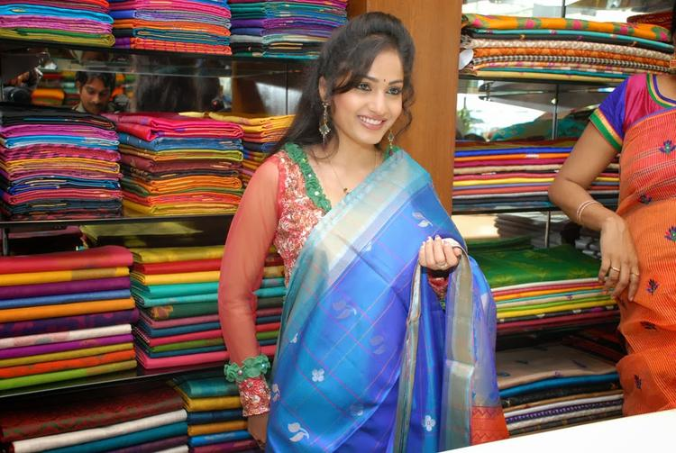 Madhavi Latha Graced During The Launch Of Sreeja Fashions South Silk Festival 2013