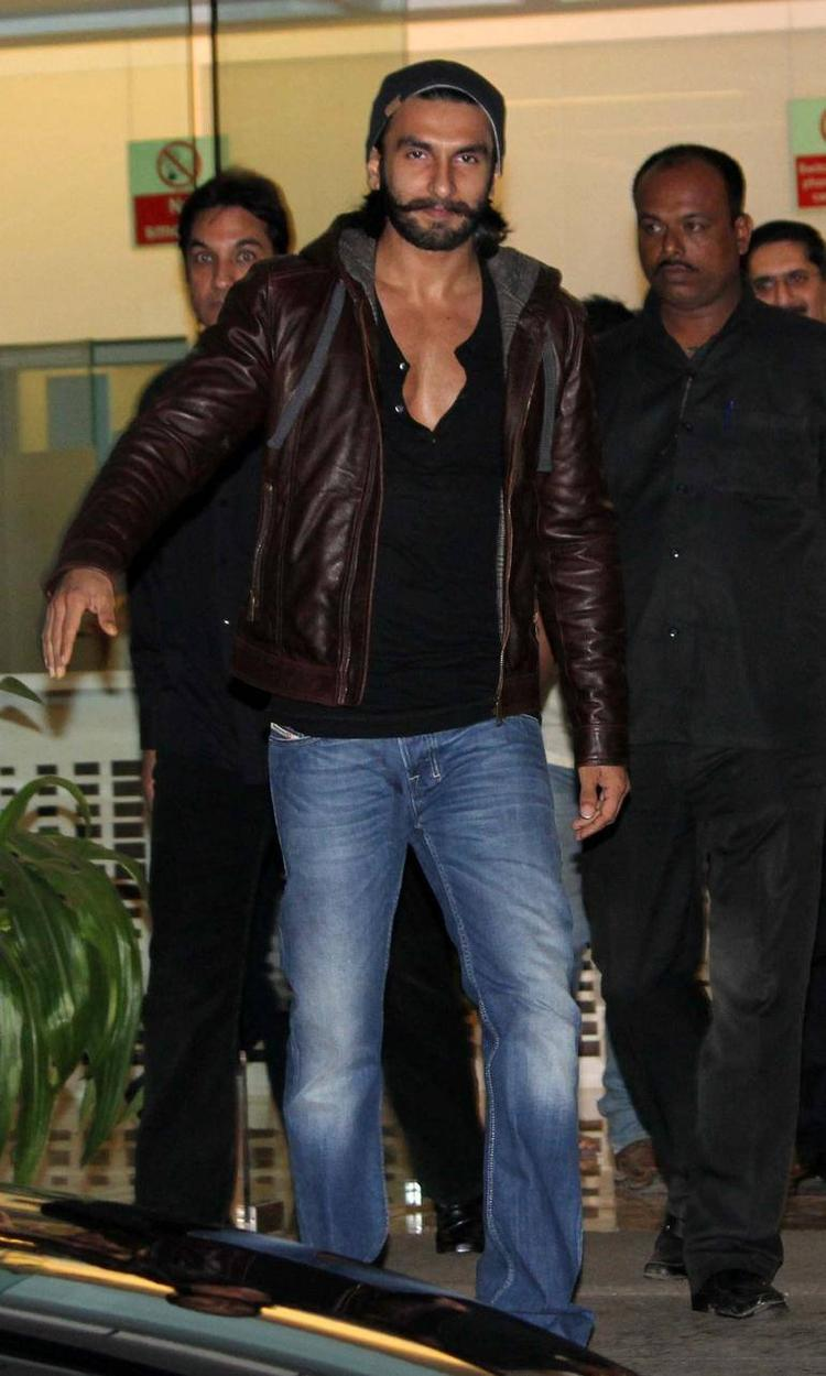 Ranveer Singh Recovering From Dengue And Discharged From The Hinduja Hospital