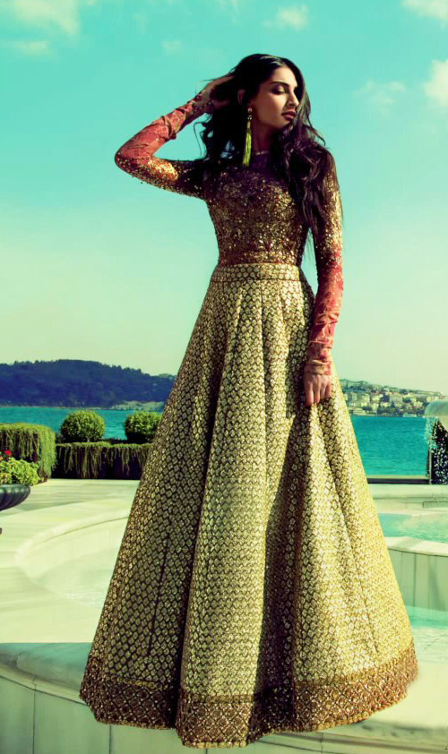 Sonam Kapoor In Gown Stylish Look For ELLE India Magazine October 2013 Edition