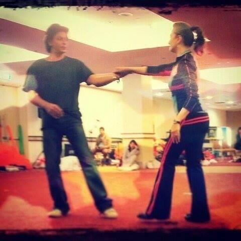 SRK And Madhuri Rehearsing For Temptation Reloaded Concert In Auckland