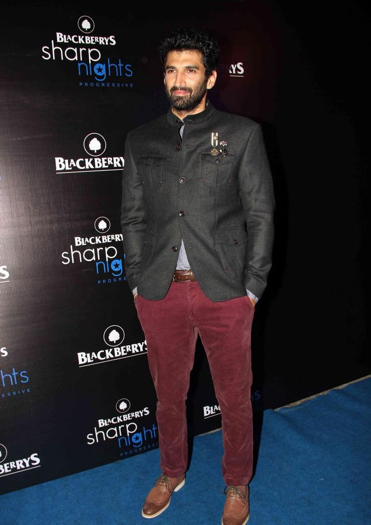 Aditya Roy Kapur Dappers Look Posed At Blackberry Sharp Night Fall-Winter 2013 Collection