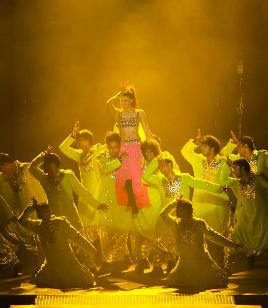 Jacqueline Fernandez Recreate The Magic At Temptations Reloaded 2013 Musical Show