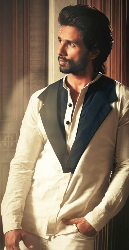 Shahid Kapoor Nice Cool Look Pose For Hello! India Magazine October 2013 Issue