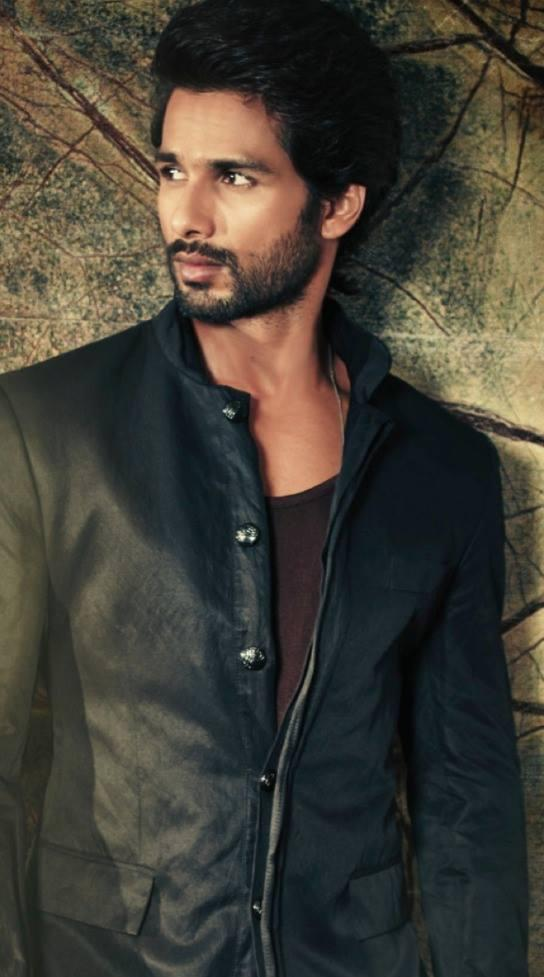 Shahid Kapoor In Suit Dappers Look For Hello! India Magazine October 2013 Issue