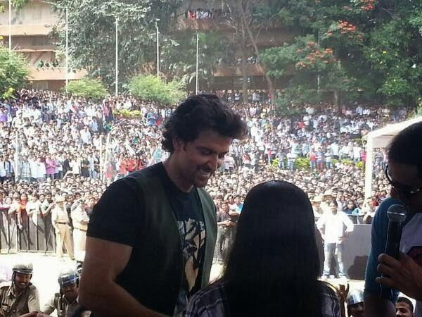 Hrithik Roshan Meet His Fans At Dayanand Sagar College In Bangalore