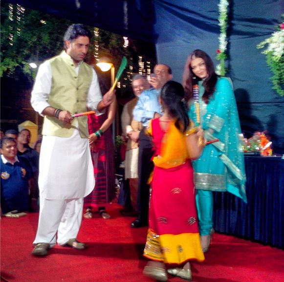 Abhishek and Aishwarya Playing Dandiya For Celebrated Navratri