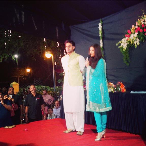 Aishwarya And Abhishek Celebrate Navratri Festival 2013