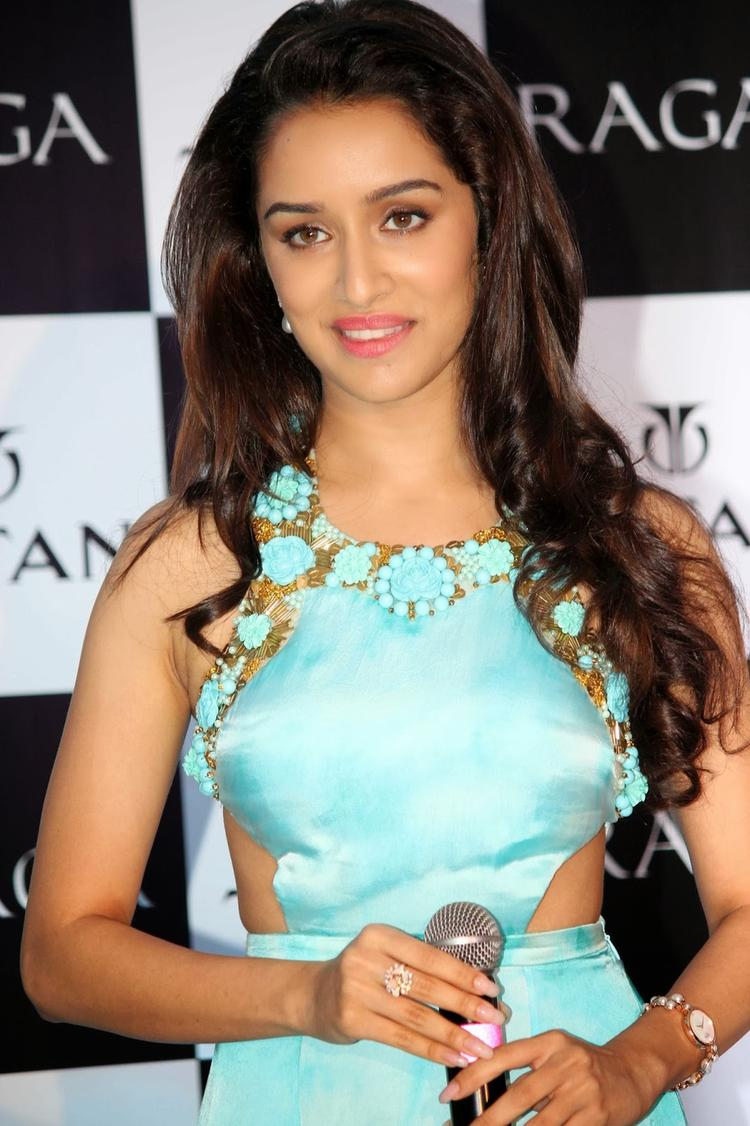 Shraddha Kapoor Beautiful Stunning Look During The Launch Of Titan Raga's New Pearl Collection