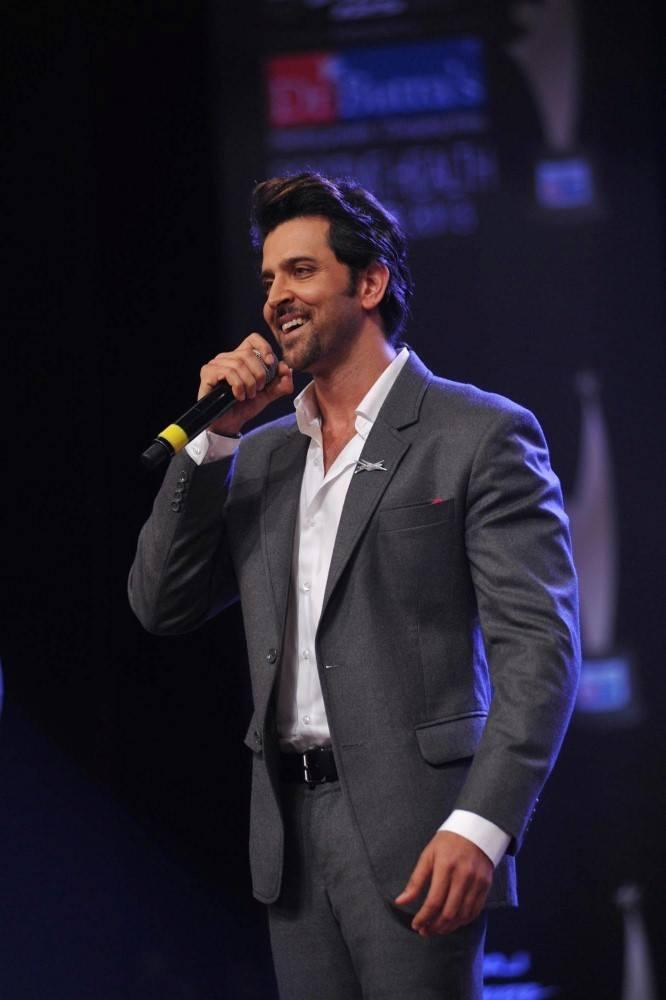 Dr. Batra's Positive Health Awards 2013 Cremony Hrithik Smiling Pic