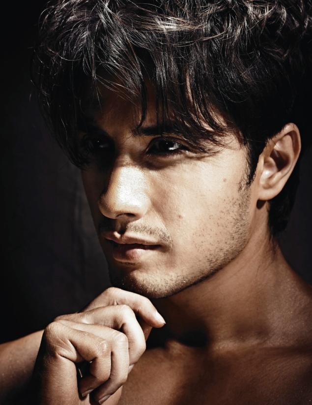 Styl Icon Ali Zafar's Full Photoshoot On Hello! India - October 2013