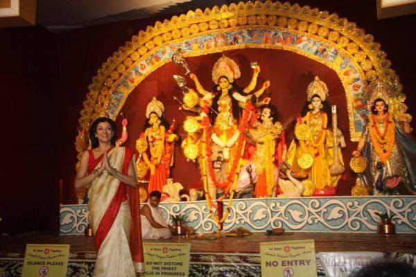 Durga Puja Sushmita Sen Nice Pic