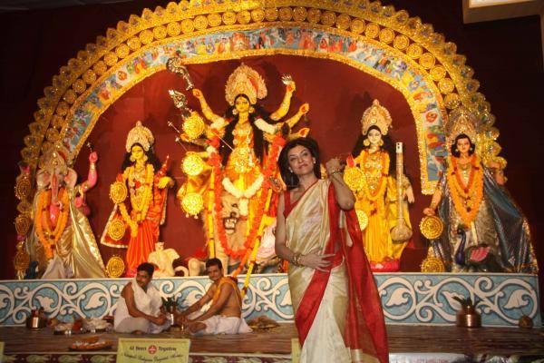 Sushmita Sen In Saree At A Durga Puja In Mumbai