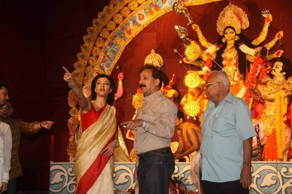 Sushmita Sen Was Recently Spotted Celebrating Durga Puja In Mumbai