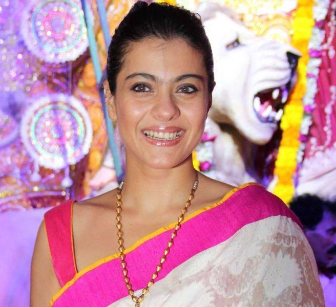 Kajol Devgan Smiling Pic During The Mumbai Durga Puja