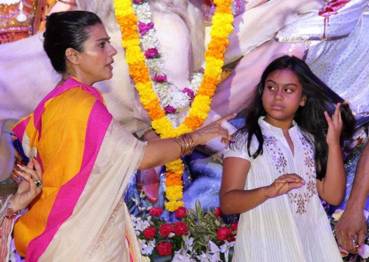 Kajol With Her Daughter During The Pandals Of Durga Puja