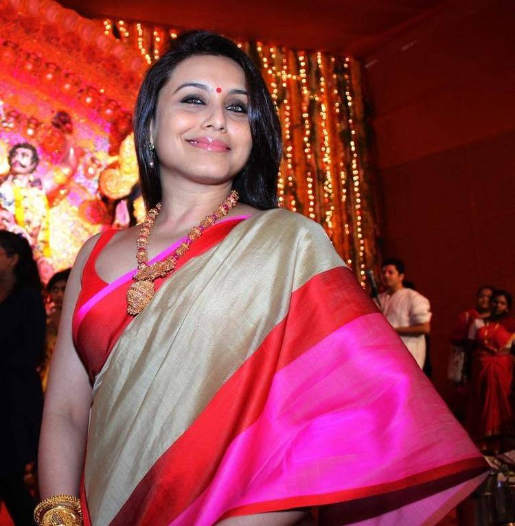 Rani Mukherjee Attended Durga Puga In Mumbai In Saree