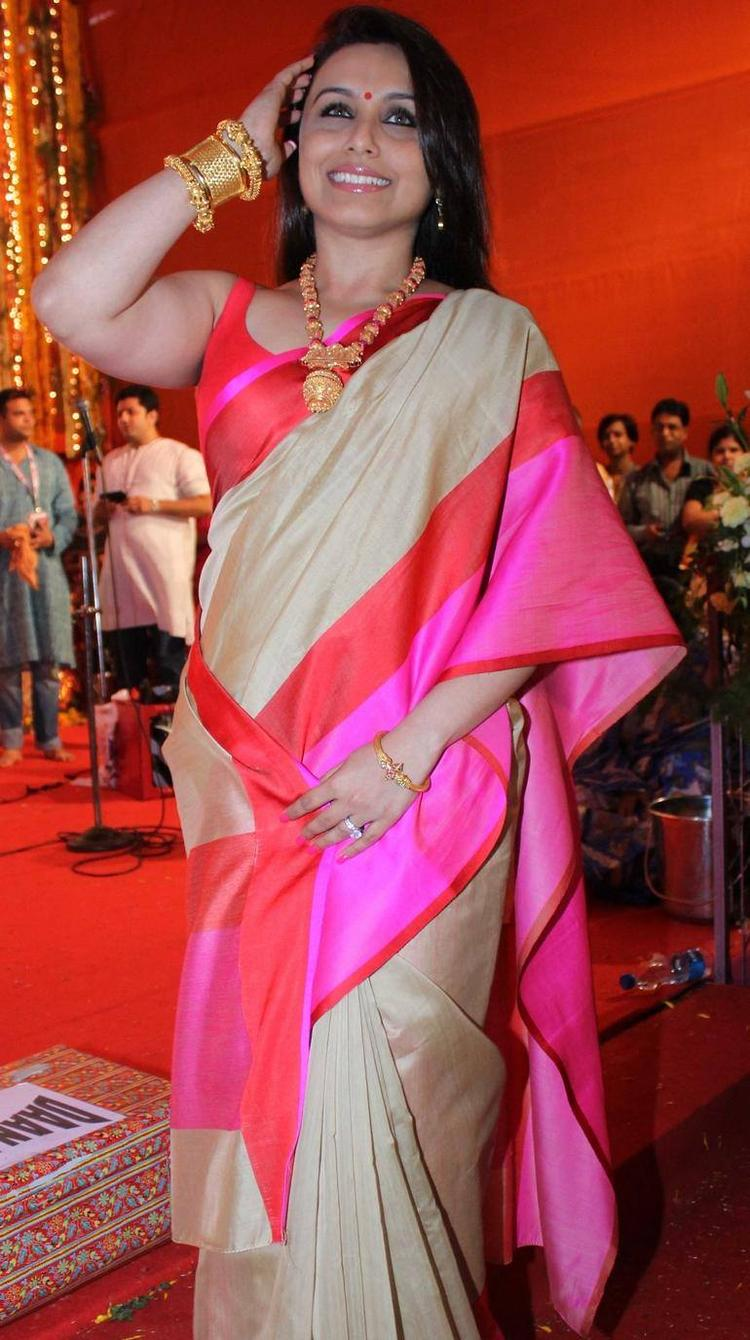 Rani Mukherjee Spotted With Her Family To Celebrate Durga Puja In Mumbai