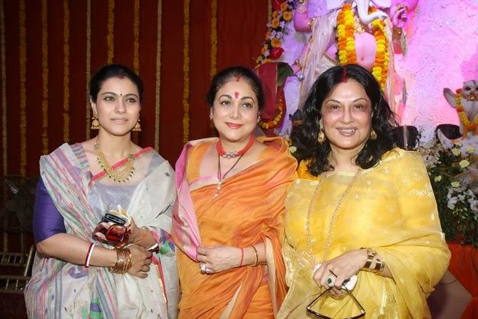 Kajol Devgan With Mom Tanuja During The Durga Puja In Mumbai