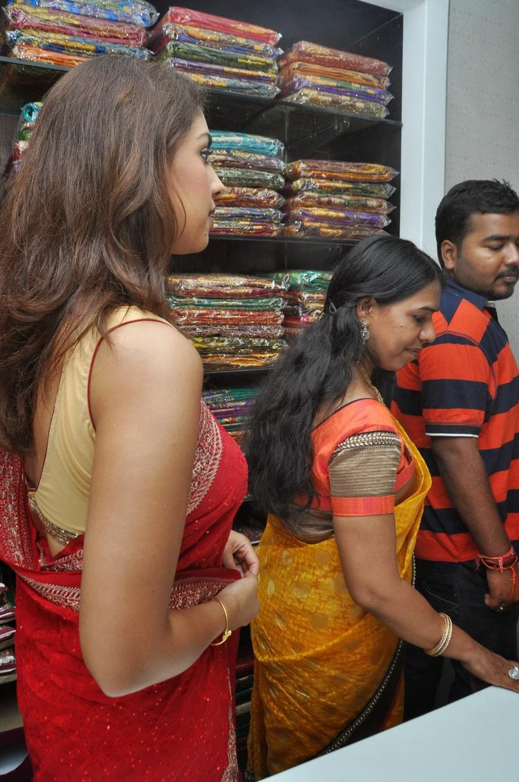 Richa Gangopadhyay  Wore A Sleeveless Blouse At Priyanka Stores Opening Event