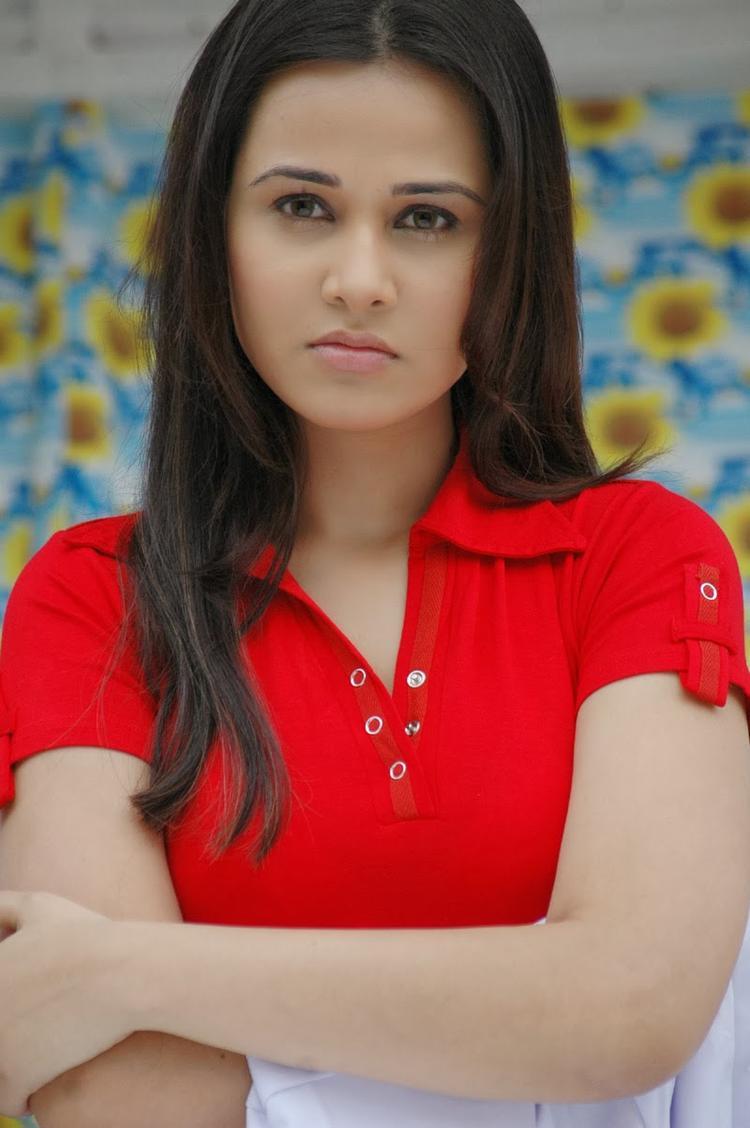 Nisha Kothari Hot Look Photo Shoot