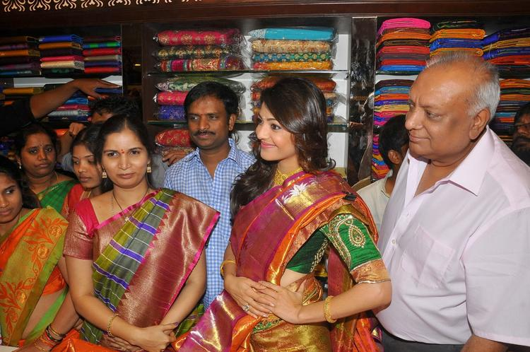 Kajal Aggarwal At Chennai Shopping Mall In Traditional Saree