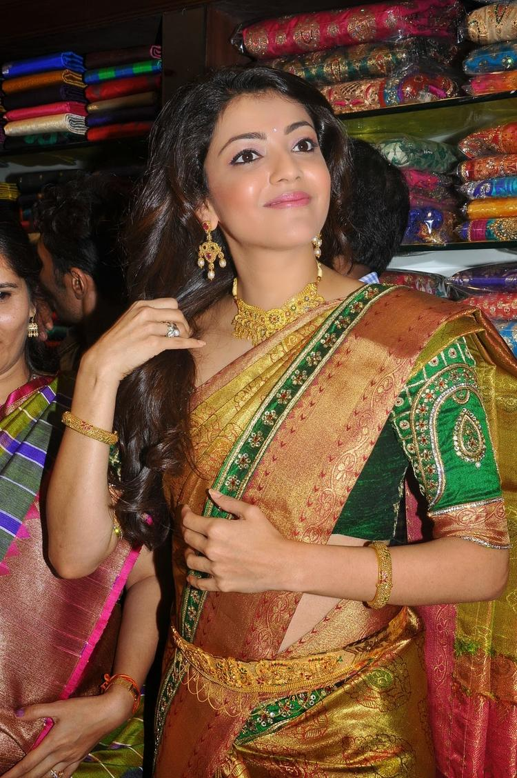 Kajal Aggarwal Pos For Camera At Chennai Shopping Mall Launch Event