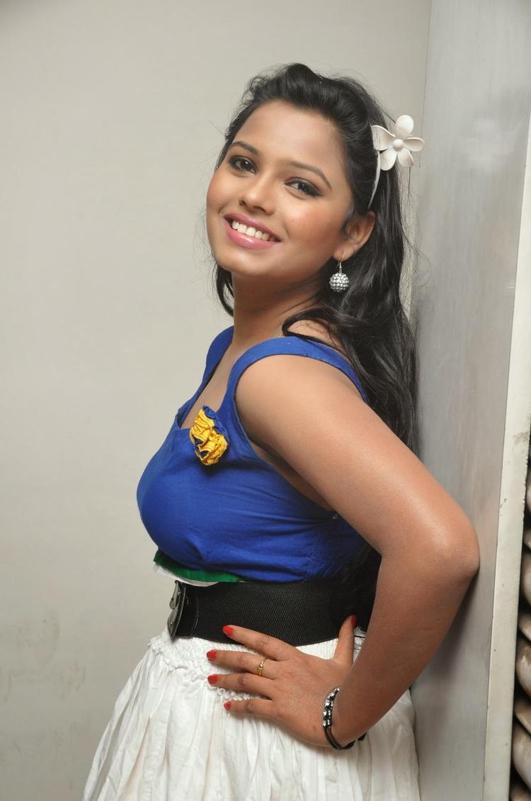 Hot And Sexy Naveena Jackson Latest Photo Shoot