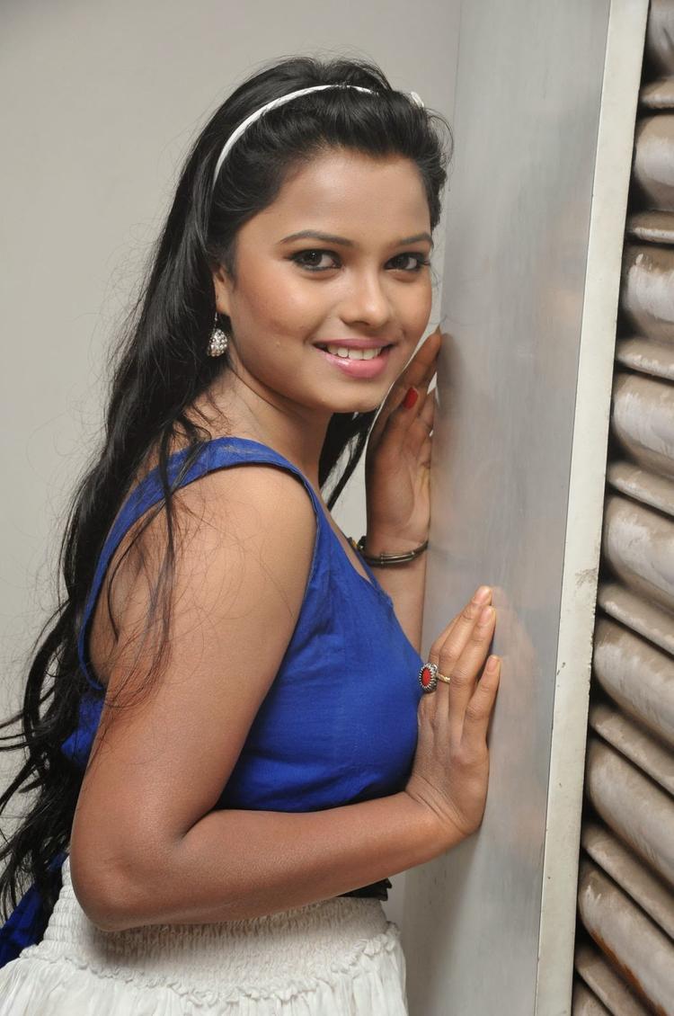 Naveena Jackson Charming Look Photo Shoot