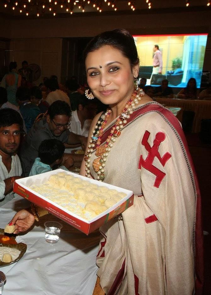 Rani Mukherjee Serving A Traditional Dish Bhog During Durga Puja