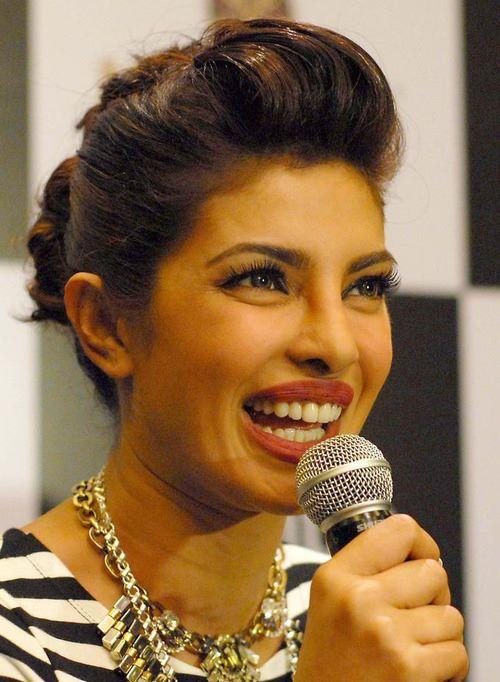 Priyanka Chopra With New Hairstyle For Mantra Properties Project  Launch