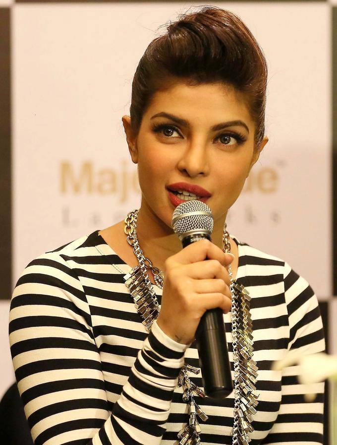 Sexy Priyanka Chopra Launch Event Of Mantra Properties Project