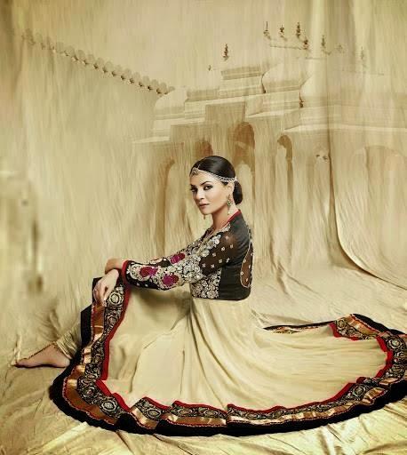 Sushmita Sen Fashionable Look Photo Shoot Still