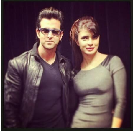 Hrithik And Priyanka Stunning Pic During The Promotion Of Krrish 3 At An Apple Store In London