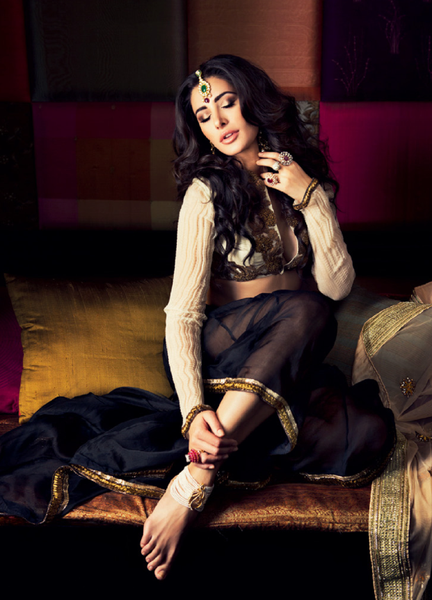 Nargis Fakhri Sizzling Look Photo Shoot For Filmfare October 2013