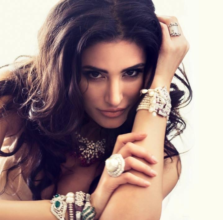 Nargis Fakhri Stunning Face Look Hot Photo Shoot For Filmfare October 2013