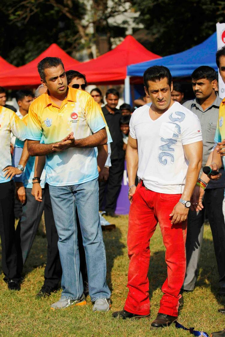 Salman Khan And Milind Deora Watch The Football Match At Milind Deora Annual Junior Soccer Challenger Event