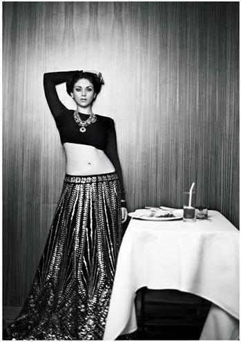 Aditi Rao Hydari Sexy Navel Exposing Photoshoot For Filmfare Bridal Issue 2013