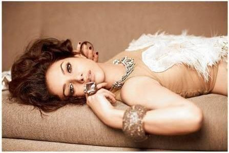 Aditi Rao Hydari Smoky Eyes And Drop Down Look For Filmfare Bridal Issue 2013