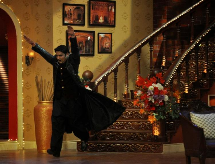 Kapil Sharma With Krrish Avatar At Comedy Nights With Kapil TV Show