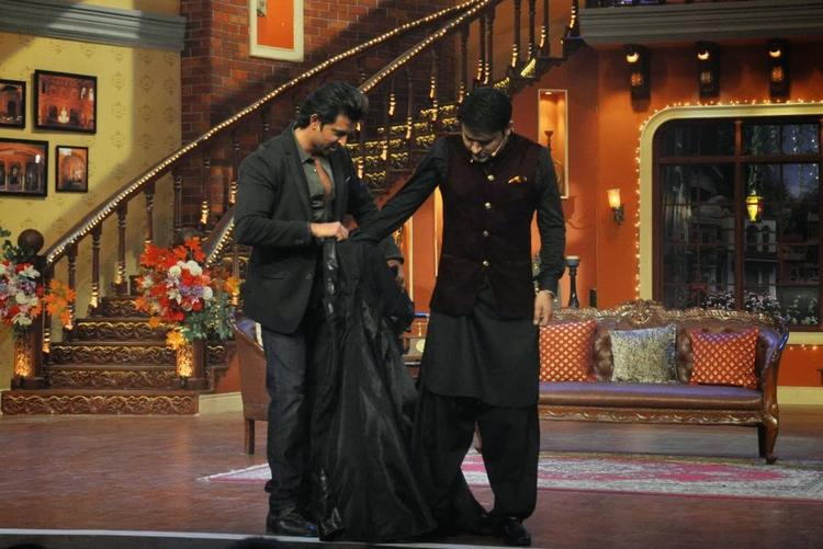 Kapil Wearing Krrish Dress For Promote New Movie Krrish 3 With Hrithik