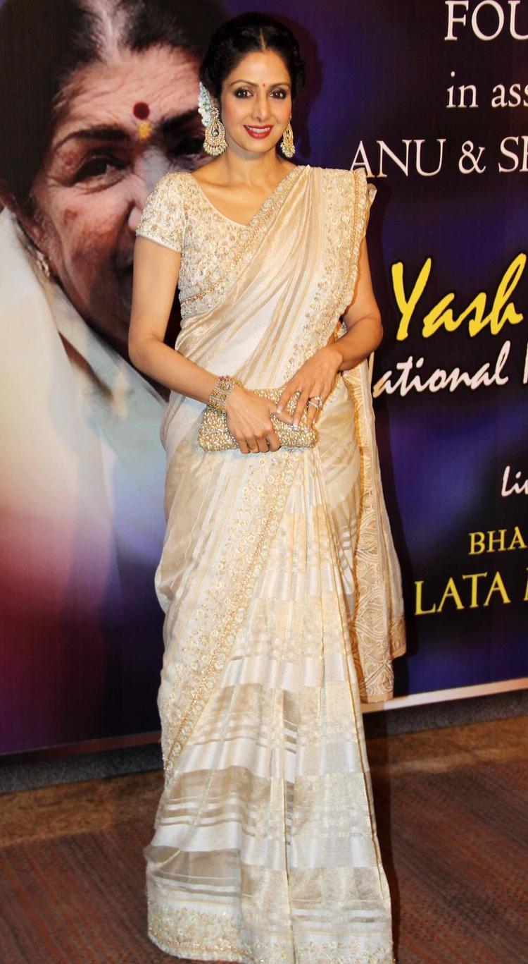 Evergreen Beauty Sridevi At The Yash Chopra Memorial Awards Ceremony
