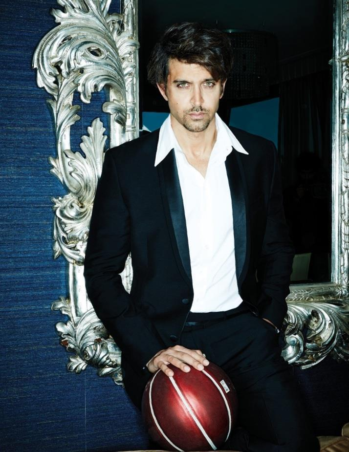 Hrithik Roshan Glazing Eyes Hot Look Photo For Filmfare November 2013