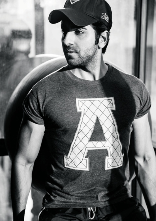 New Bollywood Hansome Actor Ayushmann Khurrana On Filmfare November 2013