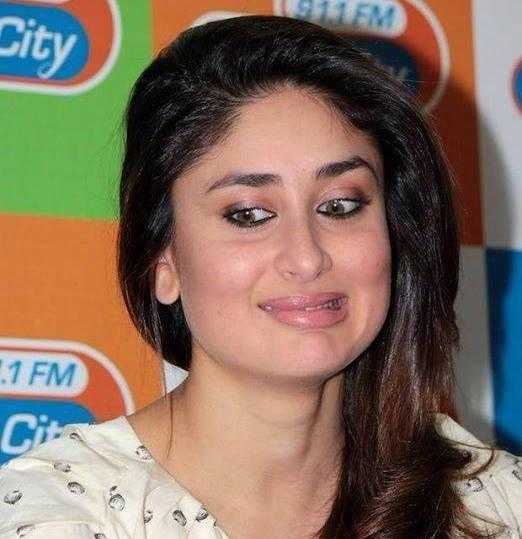 Kareena Cute Face Still During The Promotion Of Gori Tere Pyar Main At 91.1 FM