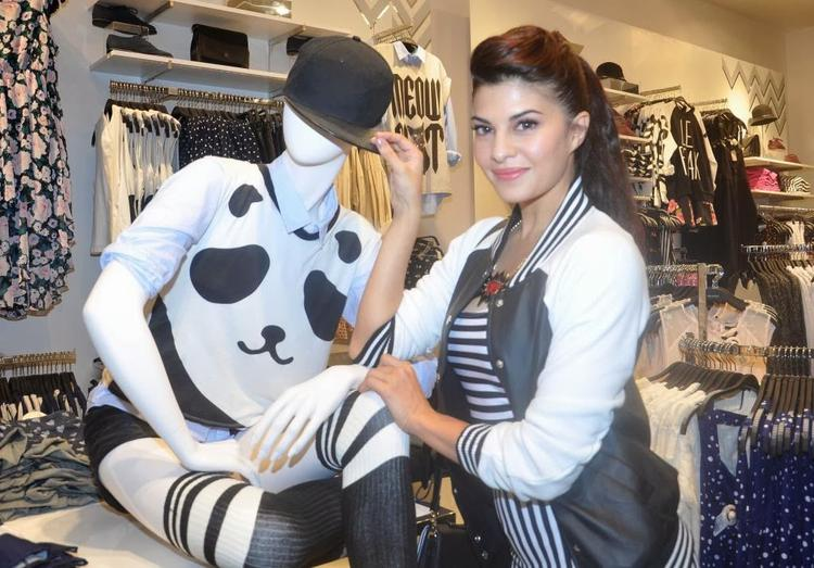 Jacqueline Fernandez Launches The Forever 21 New Store