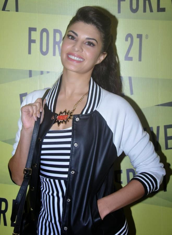 Jacqueline Fernandez Smiling Pic During The Forever 21 Store Launch Event