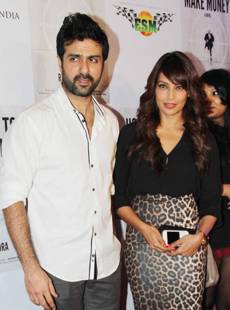 Bipasha And Harman Pose During The Raj Kundra's Book's Success Bash