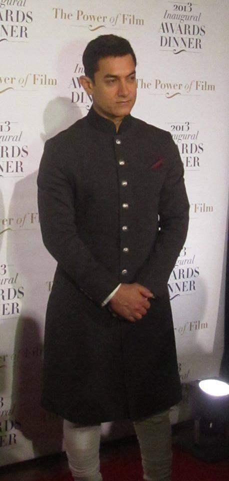 Aamir Looking Very Handsome In This Outfit During  Gets US Honour For Tackling Social Issues