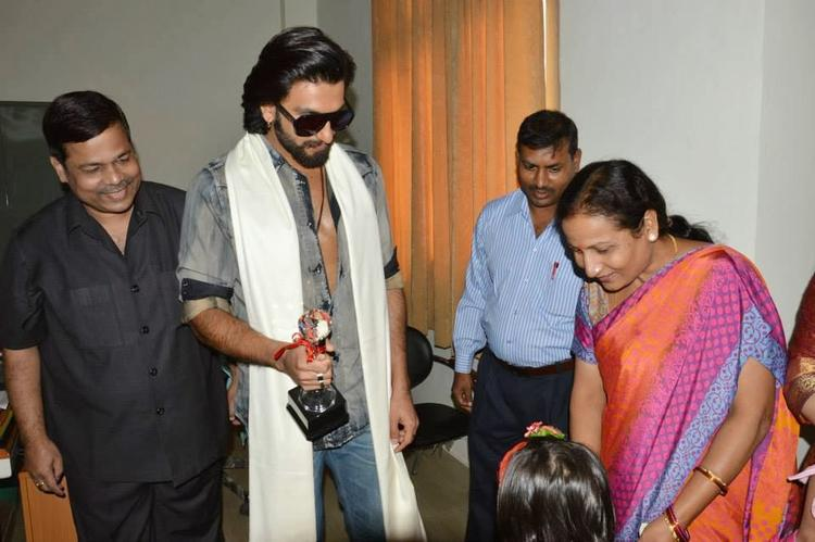 Ranveer Singh Stylish Look During The Promotion Of Ram-Leela At SVN College, Lucknow